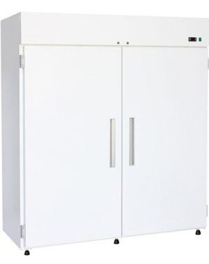 Chladiaca skriňa NORDline C 1400 STATIK, statickým chladením, dvojdverová plné dvere v bielej farbe. Vhodná pre uskladnenie cukrárenských produktov, zákuskov, ovocia, zeleniny, pekárskeho cesta, mliečnych výrobkov, salám a rýb.